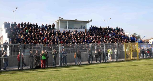 """La tribuna del """"San Lazzaro"""" che potrà accogliere fino a 500 tifosi granata"""
