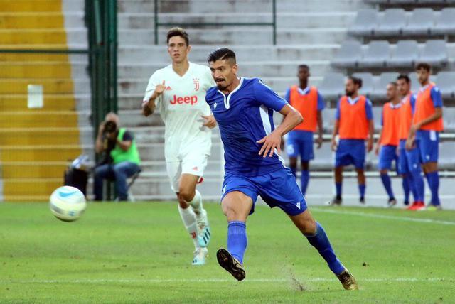 Varone in azione contro la Juve Under 23 © Reggio Audace FC