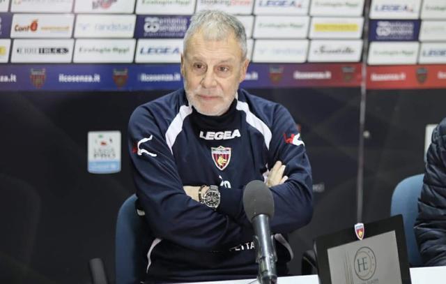 Piero Braglia, allenatore del Cosenza - Foto Francesco Donato
