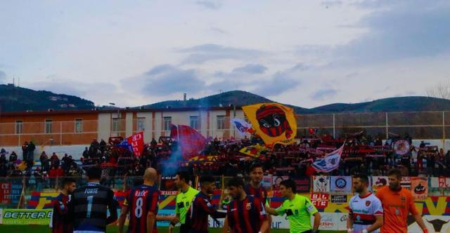 I tifosi della Casertana - Foto Francesco Donato