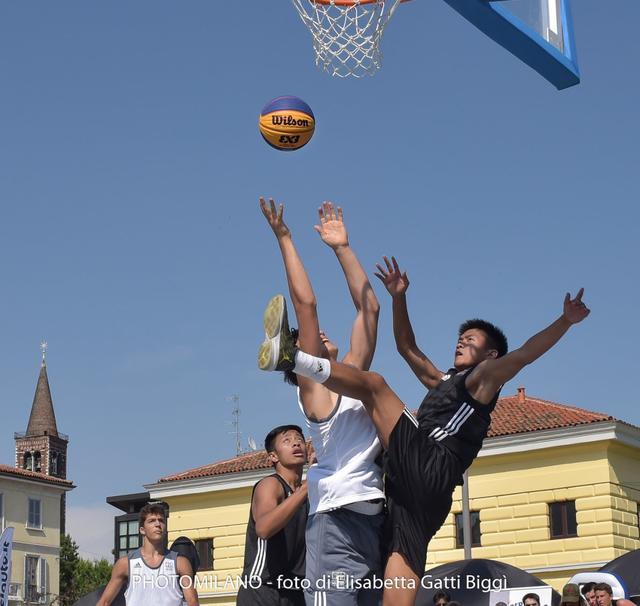 Alessio Natalini (Matangoni 1.0) vs Sean David Guy e Jayden Dela Rosa (Team Pinoy) - Foto di Elisabetta Gatti Biggì / PhotoMilano