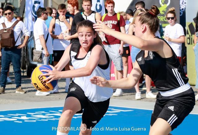 Anna Capra (Ice Team) vs Elisa Di Pietro (Le SchiaCCiatE) - Foto di Maria Luisa Guerra / PhotoMilano
