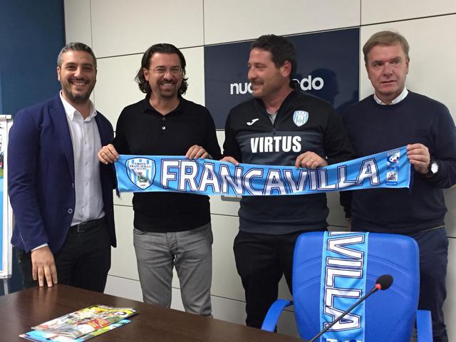Il ds Fracchiolla, il Presidente Magrì, il tecnico Trocini e il vicepresidente Donatiello