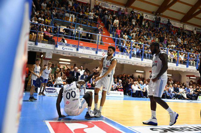 Foto Tasco, www.newbasketbrindisi.it