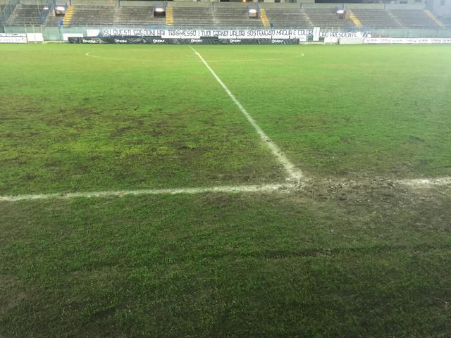 Ecco come era ridotto il campo dopo la pioggia del sabato
