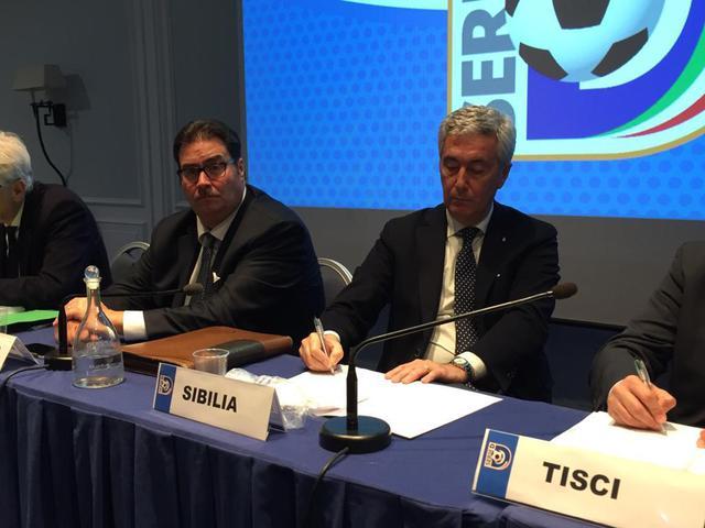 Il Presidente della Lnd Cosimo Sibilia e il coordinatore del Dipartimento Interregionale Luigi Barbiero